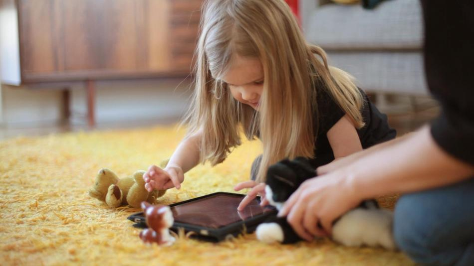 Tablets vs. TV: Which Screen Time Is Better For Your Kids?